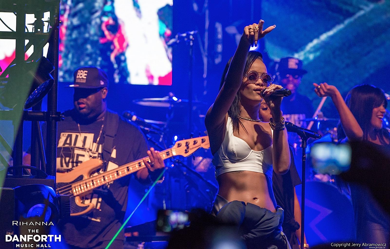 20121115 DMH Rihanna 00492