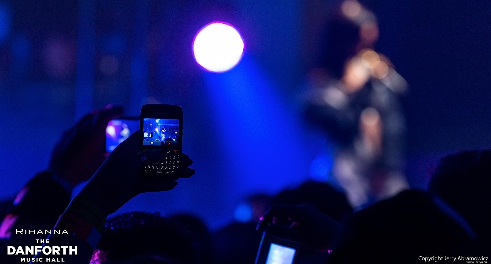 20121115 DMH Rihanna 01141