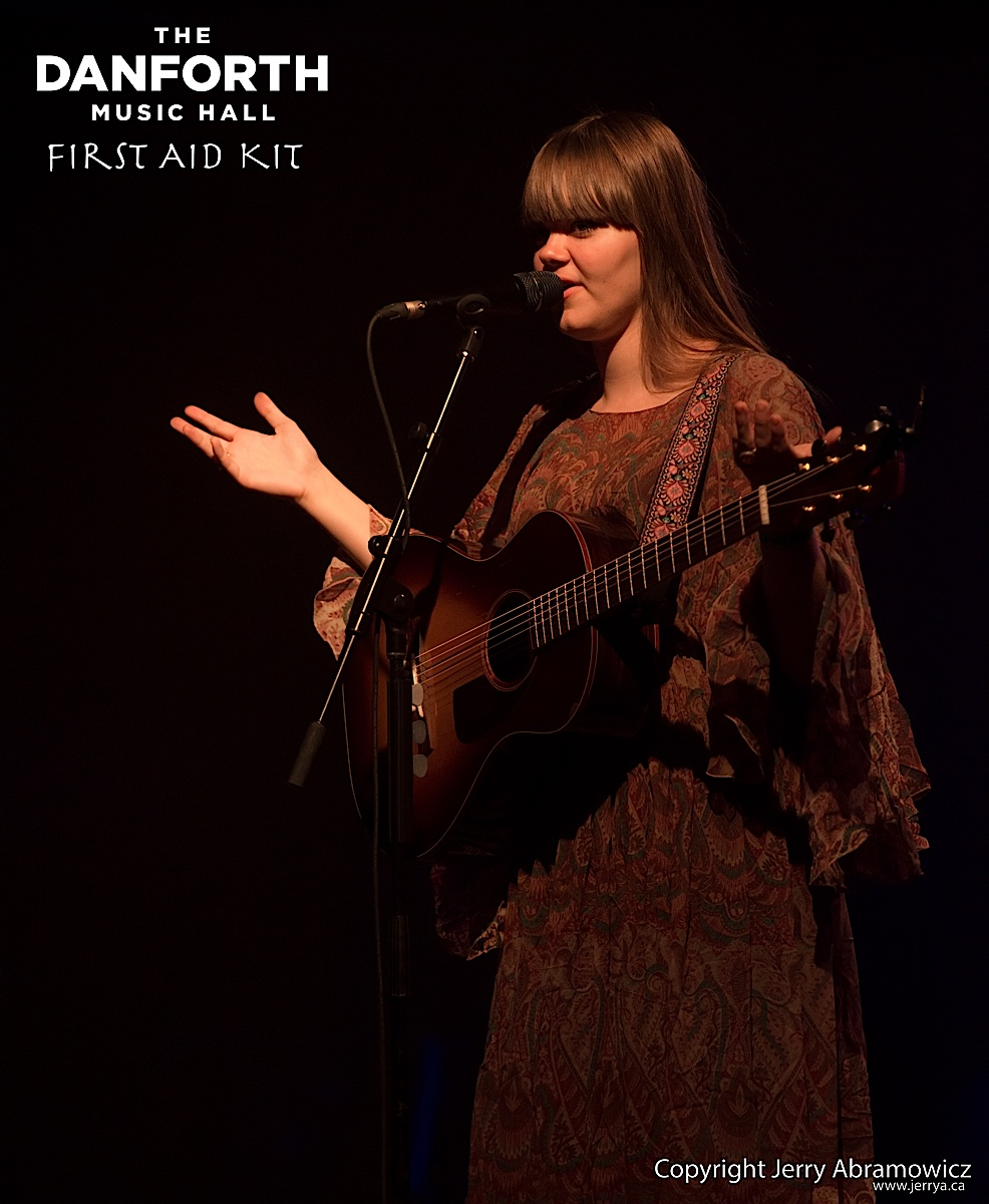 20120927 First Aid Kit DMH 389 CR