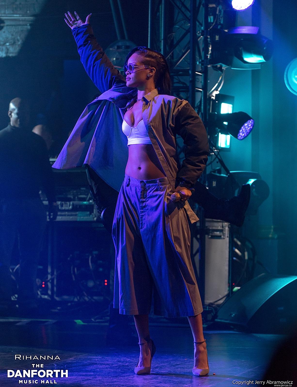 20121115 DMH Rihanna 00322