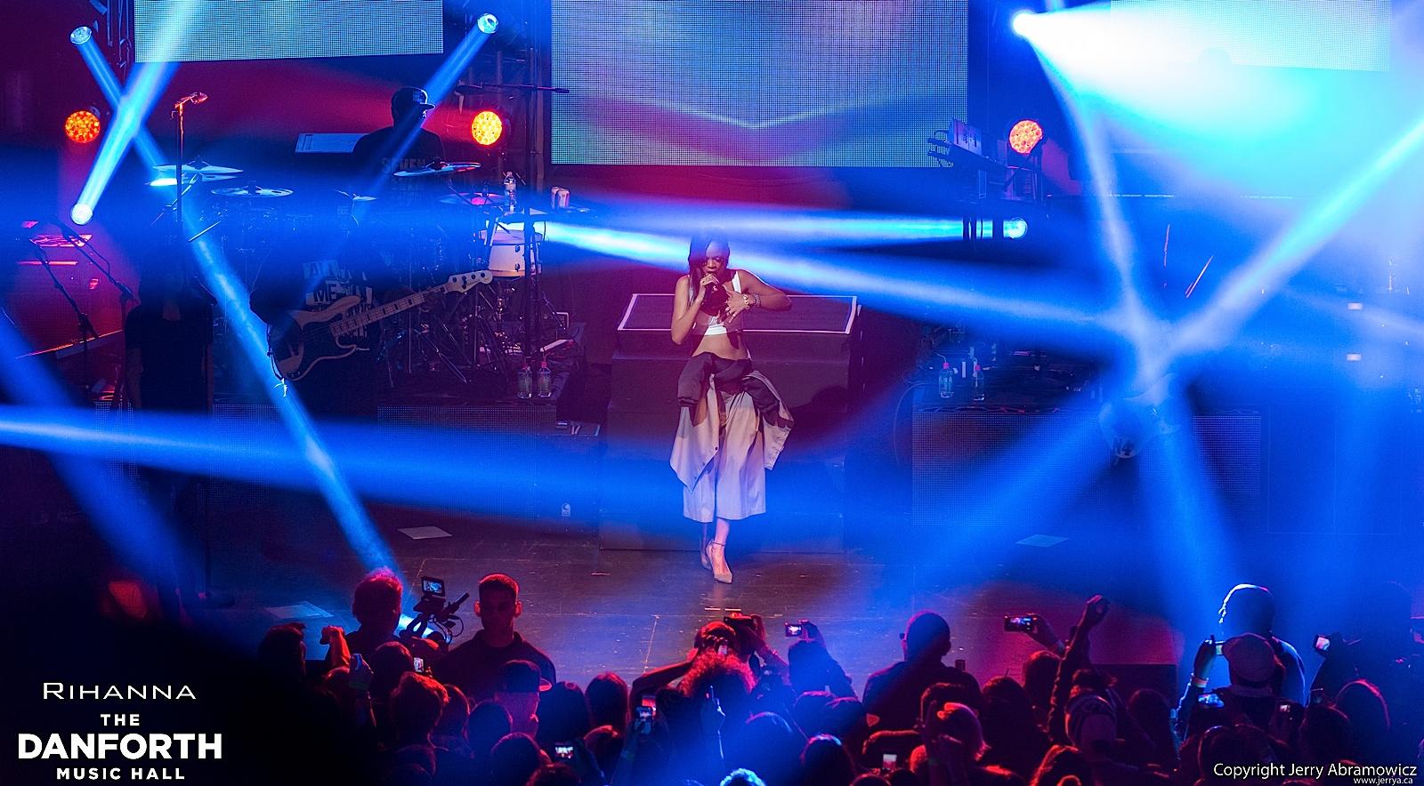 20121115 DMH Rihanna 00561