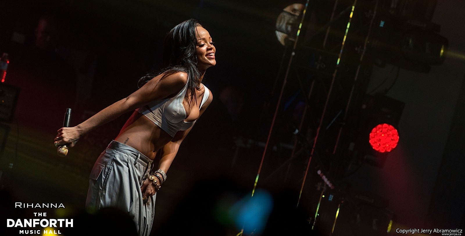 20121115 DMH Rihanna 01561