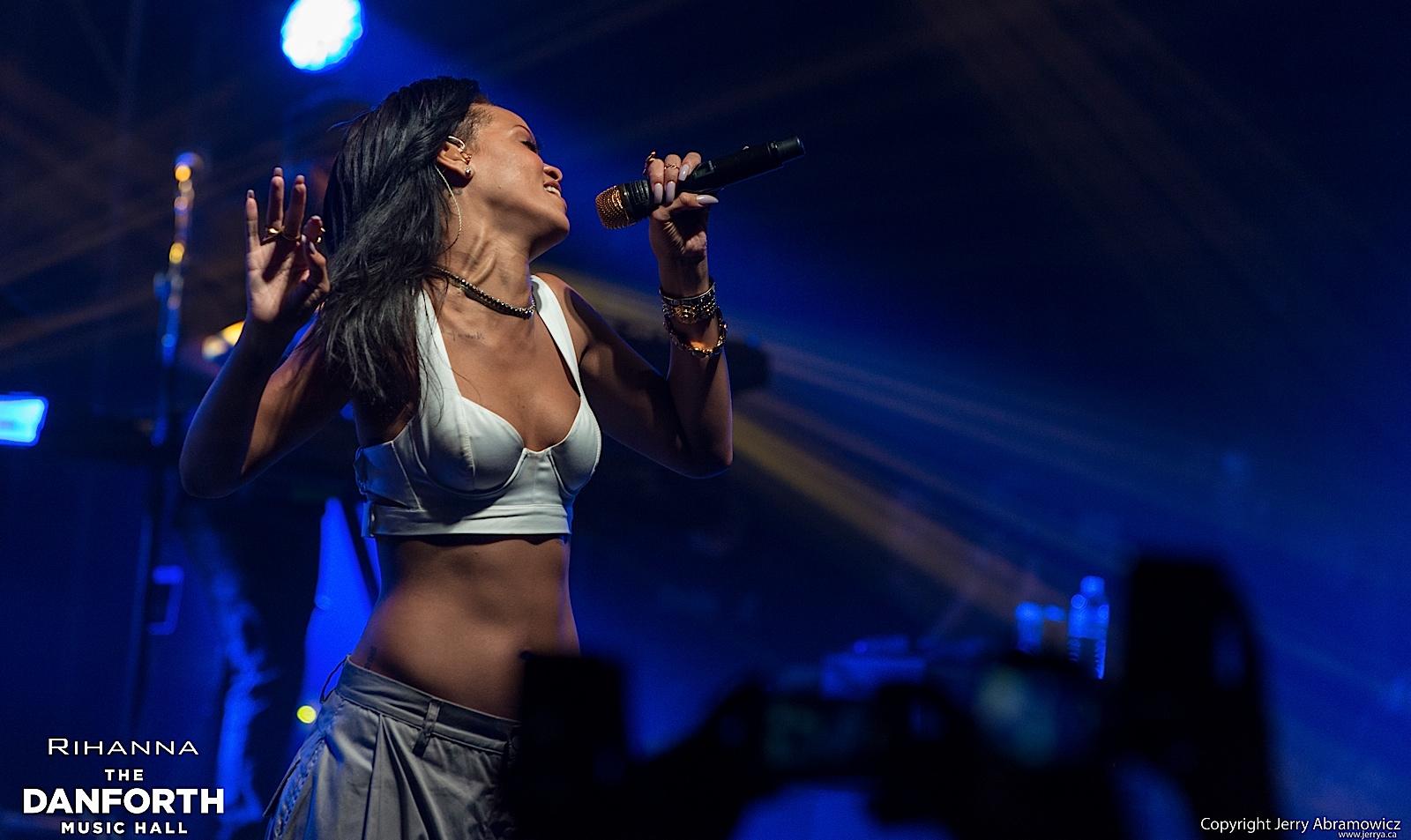 20121115 DMH Rihanna 01587