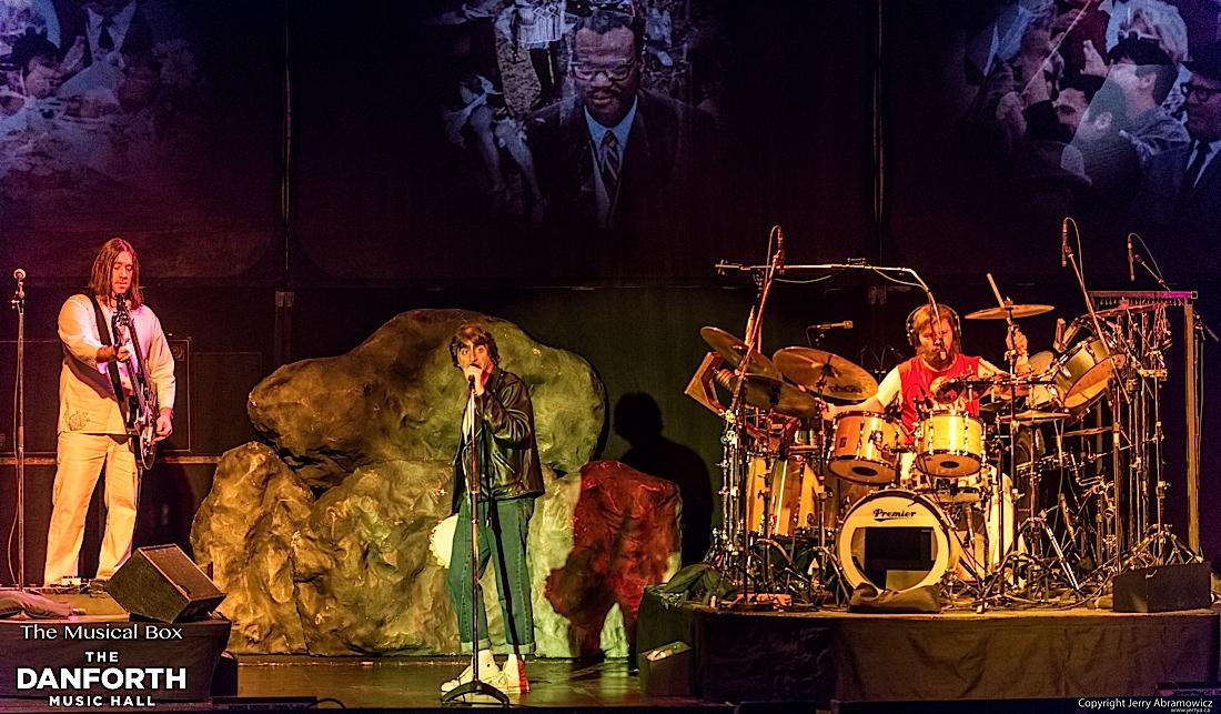 20121130 DMH The Musical Box-690